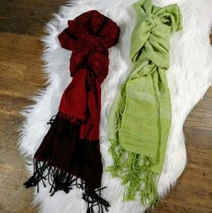 Accessories - 2 Soft Knit Scarf Solid Colors Red Green Beautiful